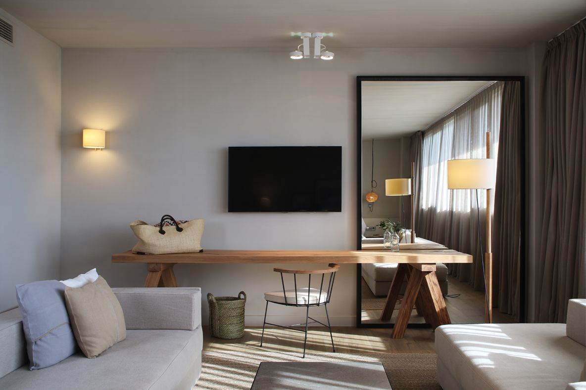 HOTEL PERALADA TRENCHS STUDIO 4