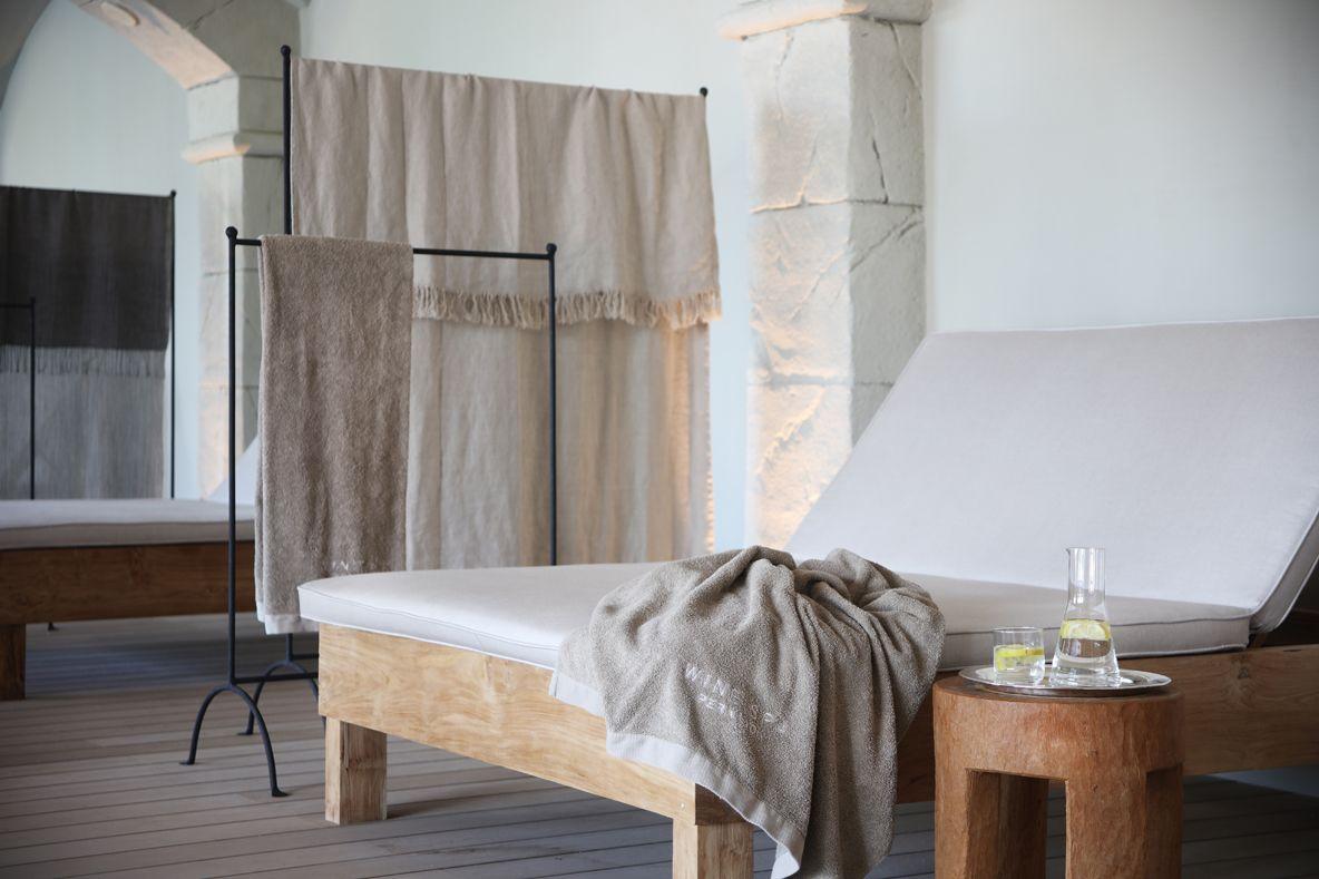 HOTEL PERALADA TRENCHS STUDIO 8