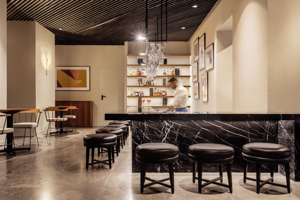 HOTEL ICON EMBASSY BY PETIT PALACE TRENCHS STUDIO 10