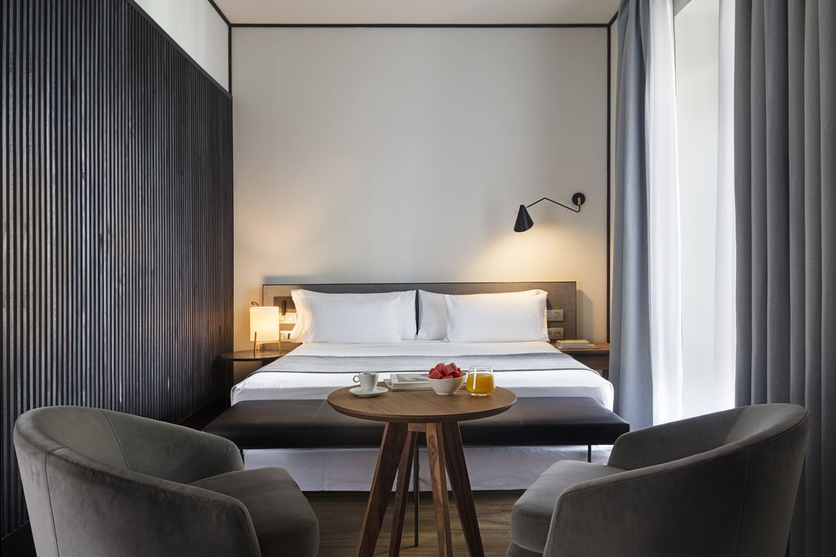 HOTEL ICON EMBASSY BY PETIT PALACE TRENCHS STUDIO 12