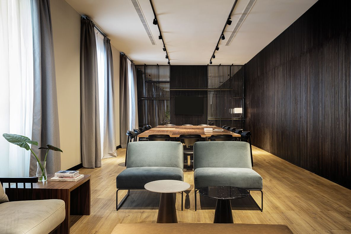 HOTEL ICON EMBASSY BY PETIT PALACE TRENCHS STUDIO 16