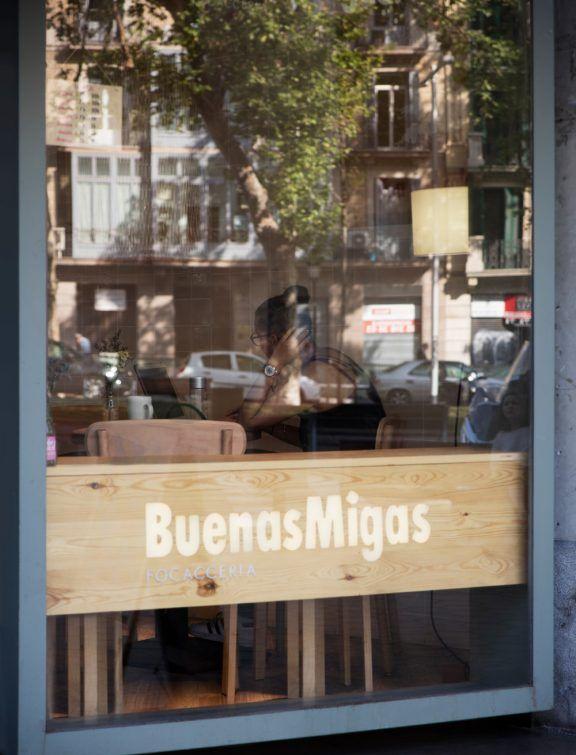 BUENAS-MIGAS-TRENCHS-STUDIO-9